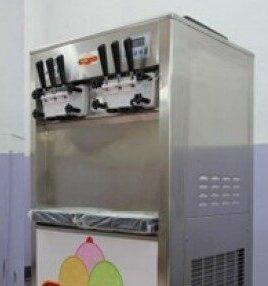 بستنی ساز قیفی مانی